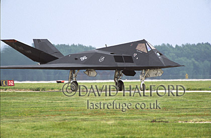 Lockheed Martin F-117A / F.117A / F117A Night Hawk, (HO/823), 'Black Sheep', Air Combat Command (ACC), USAF, taxying, Dover Air Force Base (AFB), Delaware, (DE), USA, May 2002