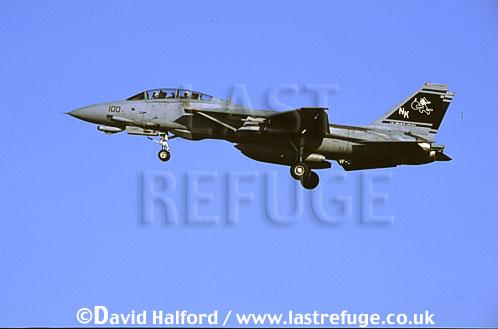Grumman F-14D / F.14D / F14D Tomcat, (NK/100), VF-31 'Tomcatters', US Navy (USN), landing, Naval Air Station (NAS) Oceana, Virginia (VA), USA, May 2002