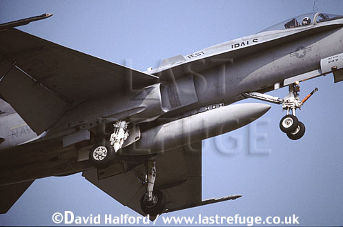 Boeing (McDonnell Douglas) F/A-18D / FA.18D / FA18D Hornet, (110), undercarriage, JPALS Strike Test Squadron, US Navy (USN), touch & go, Naval Air Station (NAS) Oceana, Virginia (VA), USA, May 2001