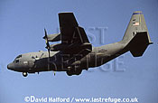 Lockheed C-130H / C.130H / C130H Hercules, (MN/61007), US Air National Guard (ANG) (Minnesota), landing, Aviano Air Force Base (AFB), Italy, May 1999