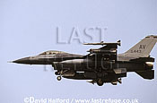 Lockheed (General Dynamics) Lockheed-Martin Lockheed-Martin F-16C / F.16C / F16C Fighting Falcon, (AV/88443), 31st FW, USAFE, landing, Aviano Air Force Base (AFB), Italy, May 1999