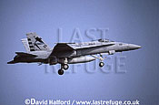 Boeing (McDonnell Douglas) F/A-18D / FA.18D / FA18D Hornet, (110), JPALS Strike Test Squadron, US Navy (USN), touch & go, Naval Air Station (NAS) Oceana, Virginia (VA), USA, May 2001