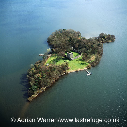 Loch Leven Castle (Lochleven Castle)is a castle on an island in Loch Leven in the Perth and Kinross regio, Lowlands, Scotland