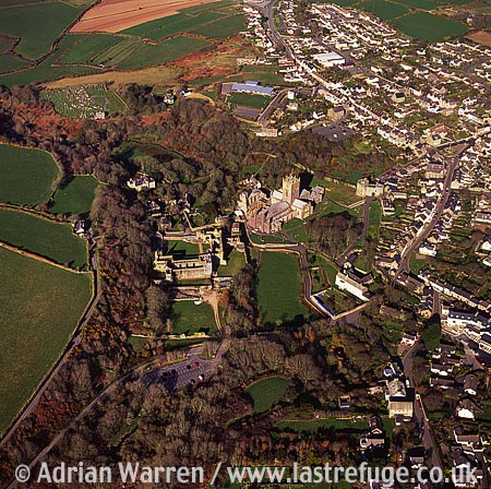 St. David's Castle & Bishop's Palace, Castle: Early earthwork fortification, D-shaped ringwork. Just west of St David?s town, South Wales