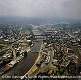 Newcastle-upon-Tyne, Bridges and the river Tyne, Tyne and Wear, England