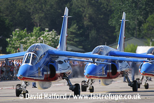 Dassault-Breguet/Dornier Alphajets of the French Air Force's Patrouille de France, Cazaux Air Base, Landes, France / June 2005