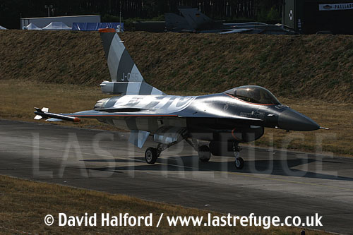 Lockheed-Martin F-16AM (J-055) Dutch AF taxying, Cazaux Air Base, Landes, France - June 2005