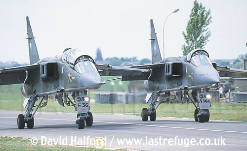 SEPECAT Jaguar A and E of Raffin Mike Team, Armee de l'Air (French Air Force) taxiing - Chateaudun Air Force Base, France / May 2003