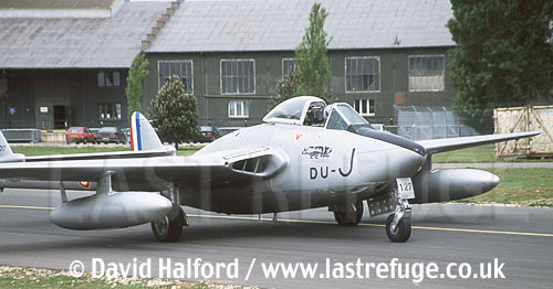 De Havilland De Havilland Vampire FB Mk.50 (DU-J - F-AZOO) taxiing back / Chateaudun Air Base, France / May 2003