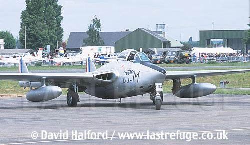 De Havilland Vampire FB Mk.50 (DU-M - F-AZOP) taxiing / Chateaudun Air Base, France / May 2003