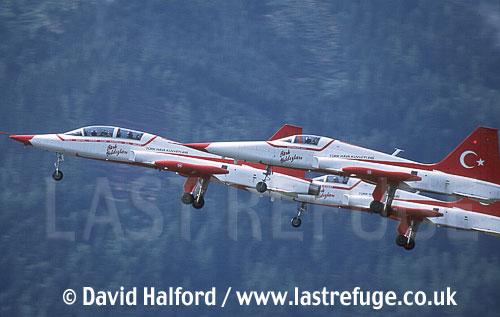 Northrop NF-5s x3 of Turkish Stars taking off1 - Zeltweg - 06-03