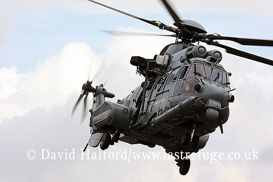 Search and Rescue Combat aircraft: Eurocopter EC.725R2 Caracal (2552-SE), French AF, RIAT, RAF Fairford, UK, 07-2009_0004