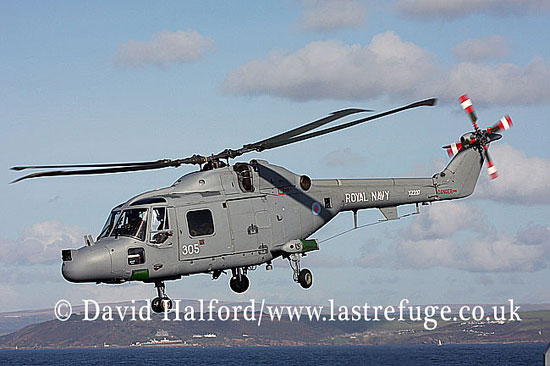 Small military transports: Westland Lynx HAS.3S (XZ237-305), FOST demonstration, English Channel off Devon, U.K., 22-10-2008_0022