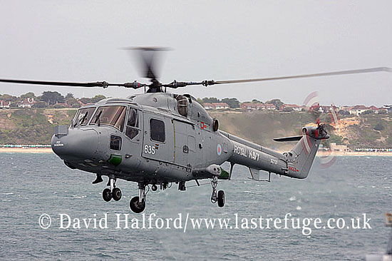 Small military transports: Westland Lynx HAS.3S (ZX727 - 301), 702 Sqn. RN, Bournemouth Air Festival, U.K., 20-08-2009_0012