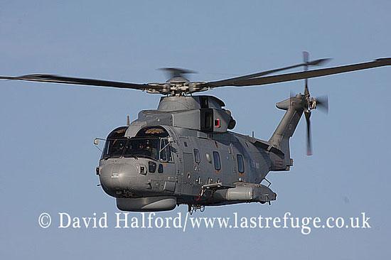 Anti-submarine: AgustaWestland Merlin HM.1 (ZH828-CU) on FOST demo, English Channel, Devon, U.K., 22-10-2008_0006