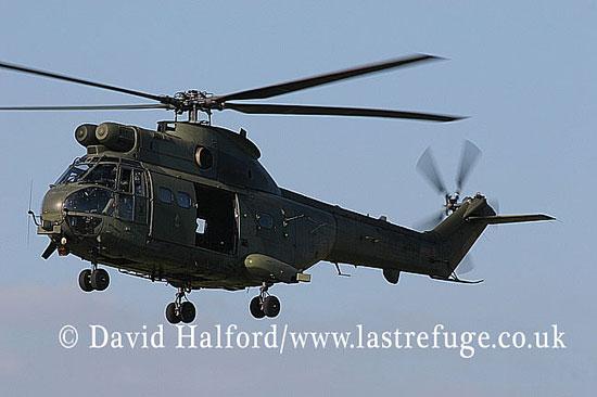 Medium military transports: Aerospatiale (Westland) Puma HC.1 (ZE449), 33 Sqn RAF, RIAT, RAF Fairford, UK, July 2006_7434