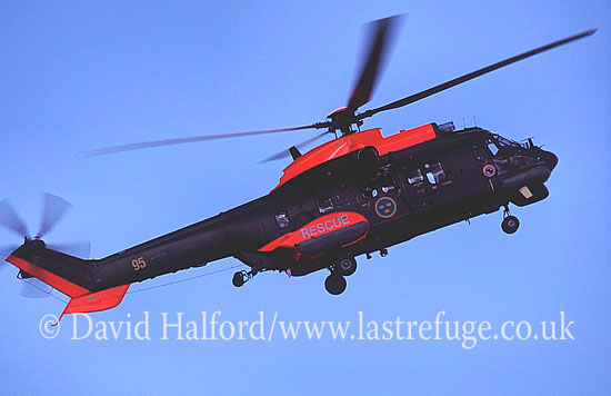 Medium military transports: Aerospatiale Hkp10-Super Puma (10405-95), Ronneby, Sweden, 08-2004_0002 (transparency)