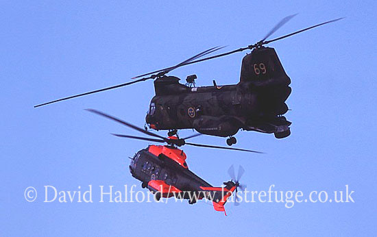 Medium military transports: Aerospatiale Hkp10-Super Puma + Kawasaki Hkp4D-KV-107 (04076), Ronneby, Sweden, 08-2004_0001 (transparency)