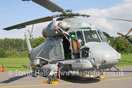 Medium military transports: Kamen SH-2G Seasprite (3545), Polish Navy, Radom, Poland, 08-2005_8593