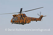 Medium military transports: Aerospatiale (Westland) Puma HC.1 (XW231) of 230 Sqn RAF, RIAT, Fairford, U.K., 07-2005_1411