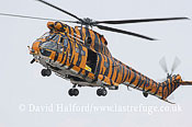 Medium military transports: Aerospatiale (Westland) Puma HC.1 (XW231) of 230 Sqn RAF, RIAT, Fairford, U.K., 07-2005_1417