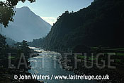 Kali Gandaki River flowing south towards Kusma, Nepal, Asia