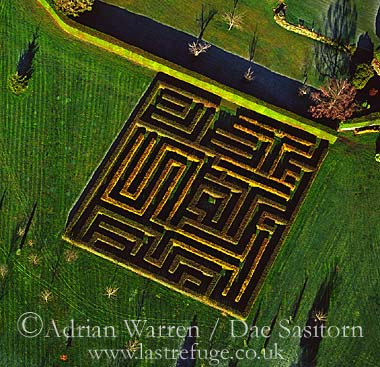 Maze at Structon's Heath, Worcestershire, England