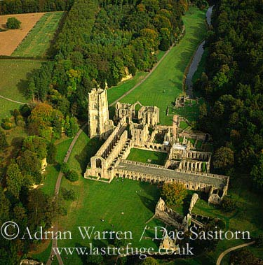 Fountains Abbey, Cistercian Monastery, Yorkshire Dales, Yorkshire, England