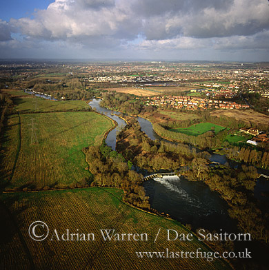 River Thames downstream from Oxford, Oxfordshire, England