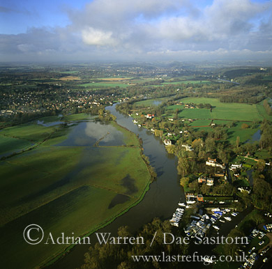 Lower Shiplake and River Thames, Oxfordshire, England
