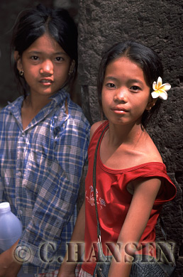 Girls, Champassak, Laos