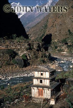 Dwelling in Kali Gandaki valley, near Tatopani, Nepal, Asia