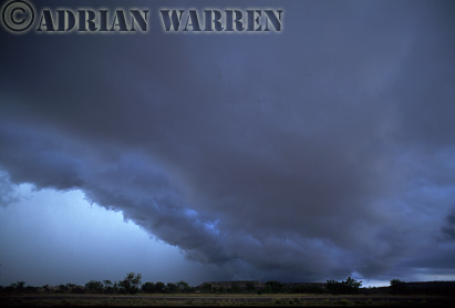 Tornadic Supercell near Sweetwater, Texas, USA. This one produced hail the size of tennis balls